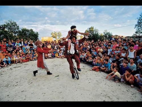 Clowns Sans Frontières © Malik Nahassia - Albanie 1999