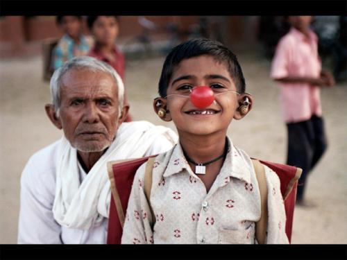Clowns Sans Frontières © Eric Caro - Inde 2004